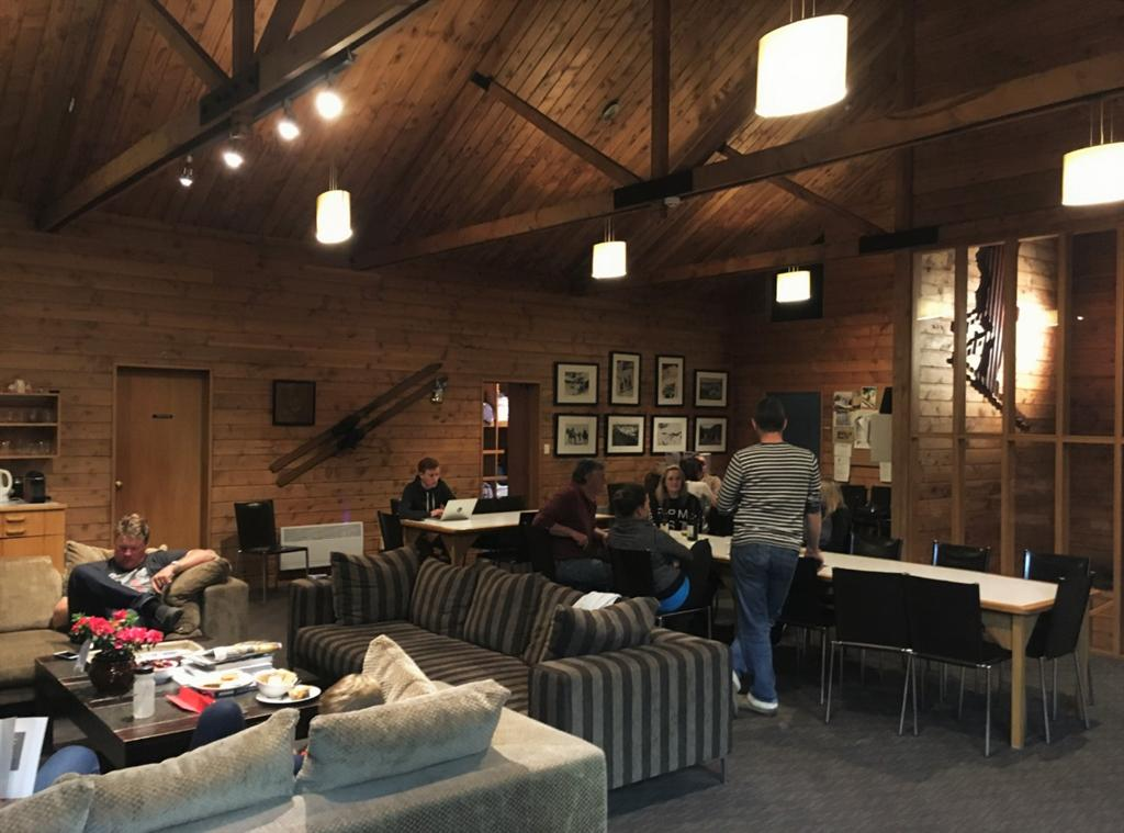 Ohakune Lounge and dining area